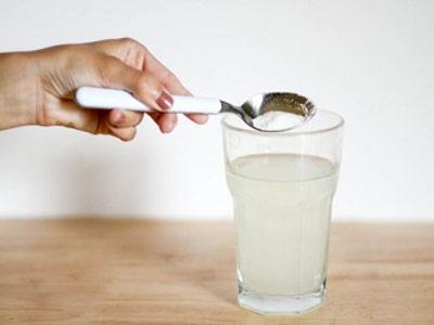 sumo-de-limao-com-bicarbonato-de-sodio