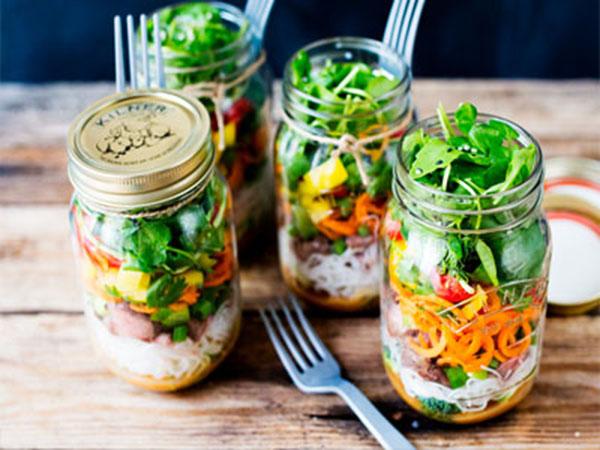 receita-de-saladas-no-frasco